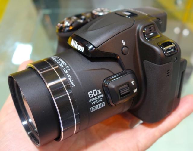 Basic Compact Camera Nikon COOLPIX P600